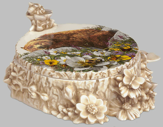 Bev Doolittle - BUGGED BEAR BOX -  OPEN EDITION PORCELAIN Published by the Greenwich Workshop